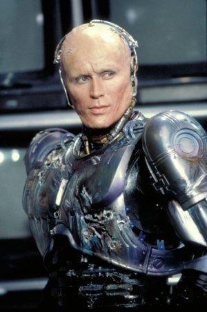 imagen de Ensayo: Robocop. Ideología; Hombre y Maquina